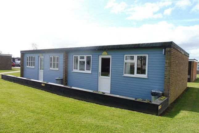 Thumbnail Mobile/park home for sale in Beach Road, Scratby, Great Yarmouth