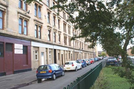 Thumbnail Flat to rent in Raeberry Street, North Kelvinside