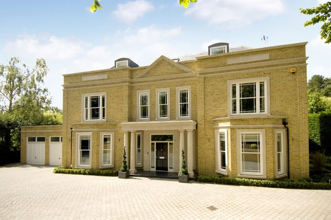 Thumbnail Detached house for sale in Stokesheath Road, Oxshott