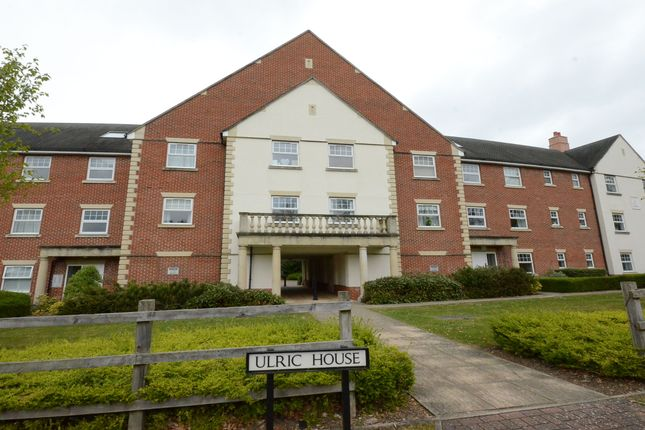 Thumbnail Flat to rent in Waleron Road, Fleet