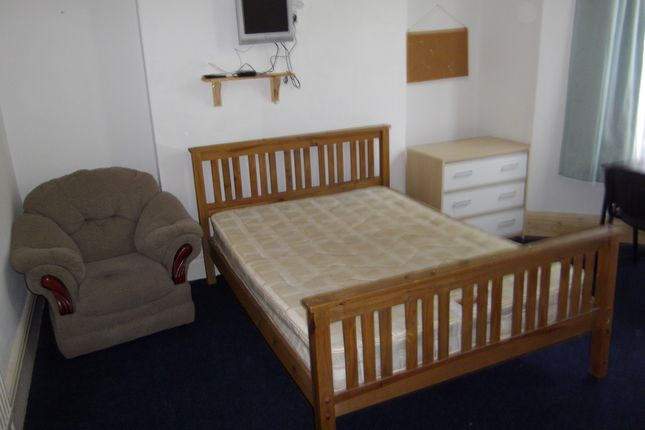 Thumbnail Shared accommodation to rent in 2 Ernald Place, Swansea.