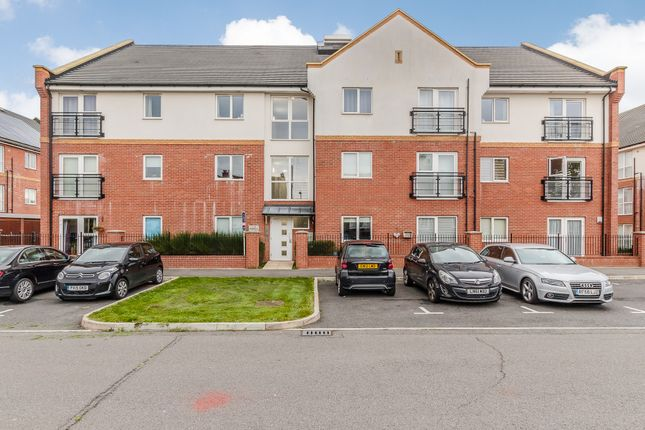 Thumbnail Flat for sale in Brook Mead, Campbell Court, Laindon