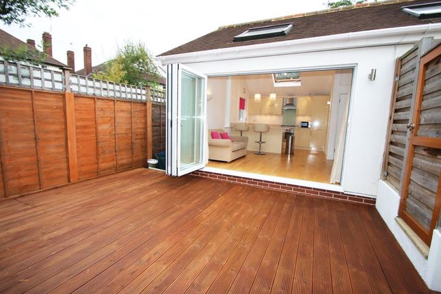 Thumbnail Bungalow to rent in Lime Grove, Twickenham, Middlesex