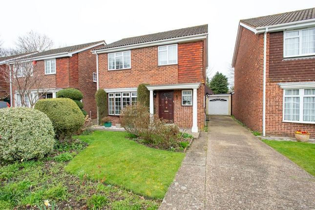 Thumbnail Detached house for sale in Conifer Close, Farnborough, Orpington