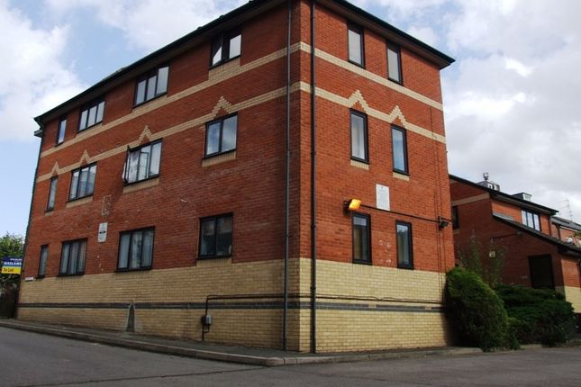 flats to let in newark street reading rg1 apartments to. Black Bedroom Furniture Sets. Home Design Ideas