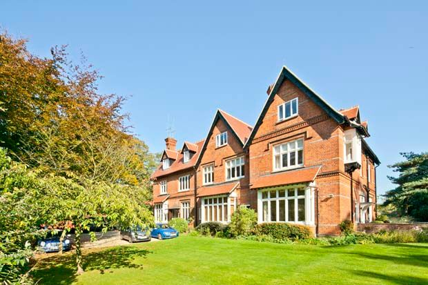 Thumbnail Flat to rent in 6 Clevemede House, Goring On Thames