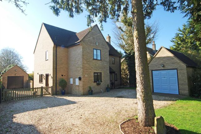 4 bed detached house for sale in Caversfield, Bicester