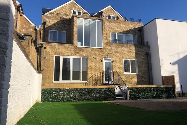 Photo 31 of Canbury House, Selection Of 7 Luxury 1, 2 And 3 Bedroom Apartments, Richmond Road, North Kingston KT2