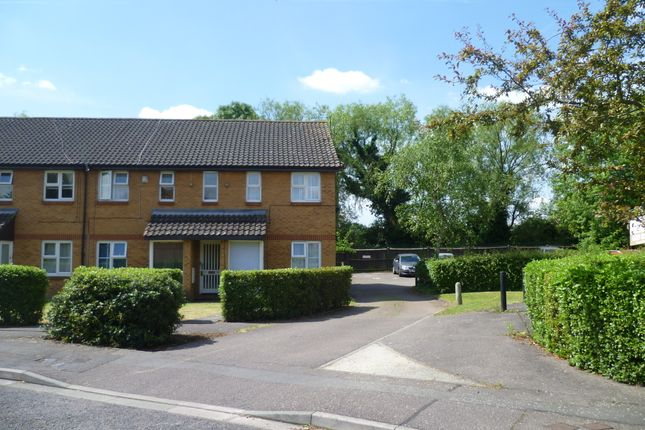 1 bed maisonette to rent in Abbey Close, Hayes, Middlesex
