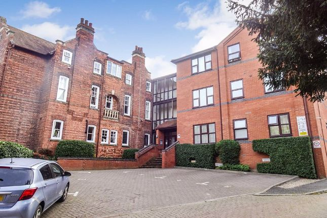 2 bed flat to rent in The Gables, Kettering, Northamptonshire NN15