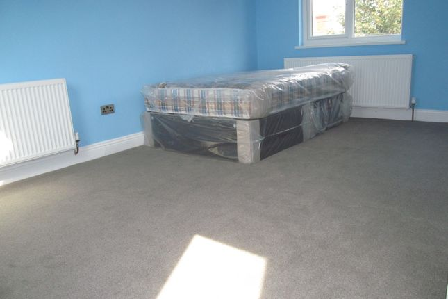 Thumbnail Terraced house to rent in Rowley Road, Reading