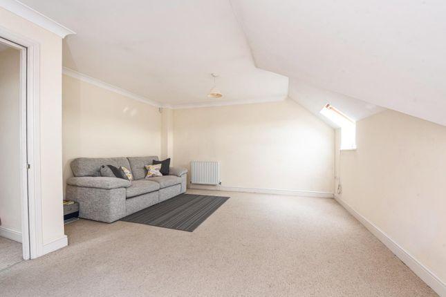 1 bed flat for sale in Balfour Road, Weybridge KT13