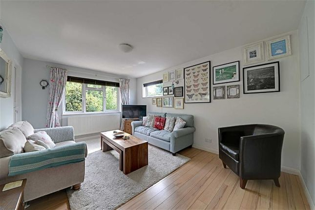Thumbnail Flat for sale in Dollis Road, Mill Hill, London