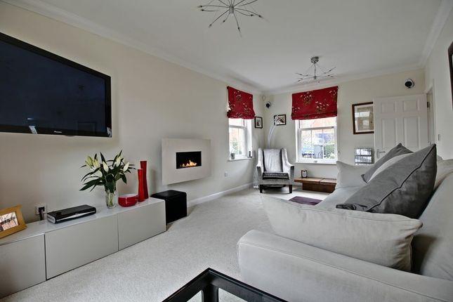 Living Room of Otterbourne Walk, Sherfield-On-Loddon, Hook RG27