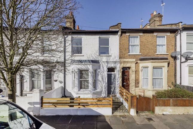 3 bed property for sale in Kenmont Gardens, London NW10
