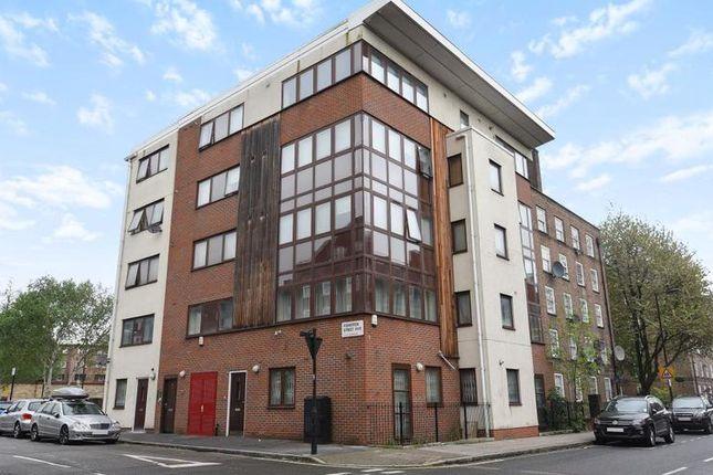 Thumbnail Flat to rent in Fisherton Street, London