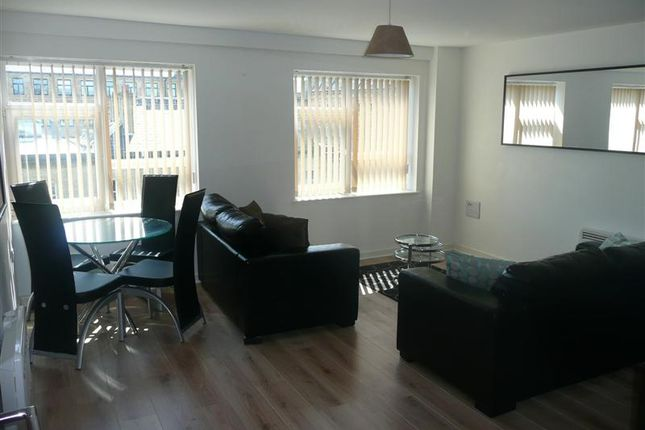 2 bed flat for sale in Stone Street, Bradford