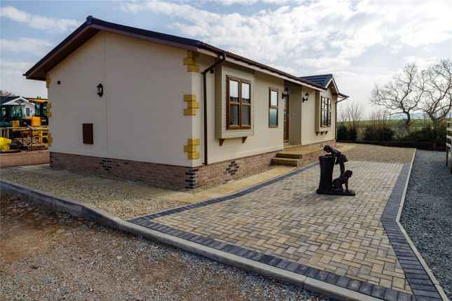 Thumbnail Mobile/park home for sale in Yew Tree Park, Peterstow, Ross-On-Wye, Hfds