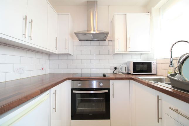 1 bed flat to rent in Manor Court, Mutton Lane, Potters Bar EN6