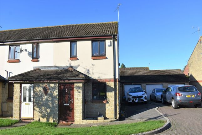 2 bed end terrace house to rent in Alvington, Yeovil, Somerset BA22