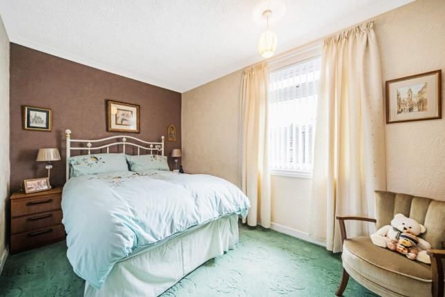 Bedroom 1 of Ashburn Gardens, Milngavie, Glasgow, East Dunbartonshire G62