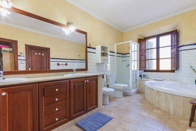 Bathroom 2 of Spain, Mallorca, Alaró