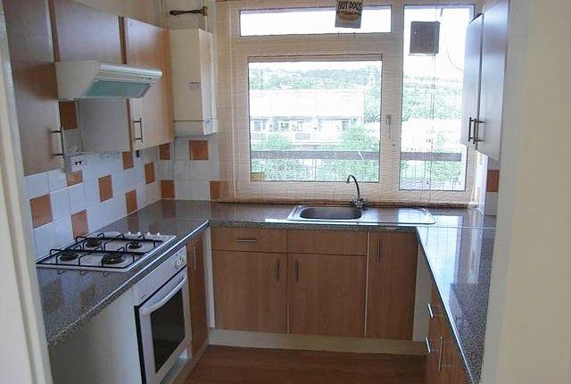 Thumbnail Maisonette to rent in Winn Grove, Hillsborough, Sheffield