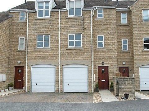 Thumbnail Town house to rent in Back Lane, Thornton, Bradford