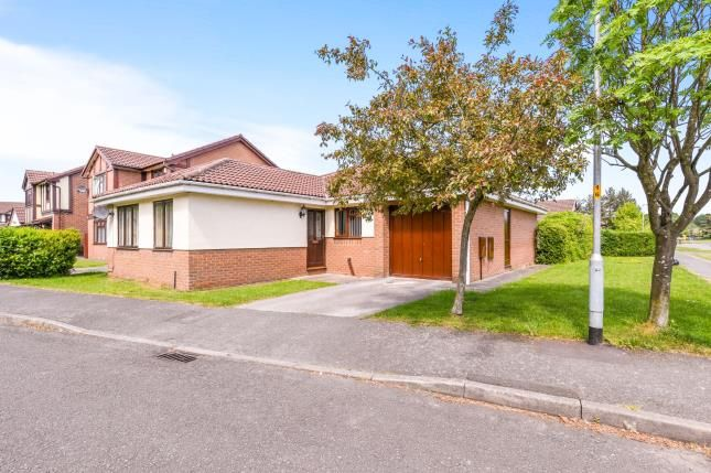 Thumbnail Bungalow for sale in Garwood Close, Westbrook, Warrington, Cheshire