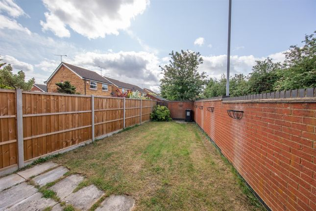 Thumbnail End terrace house for sale in Wraysbury Close, Luton, Bedfordshire