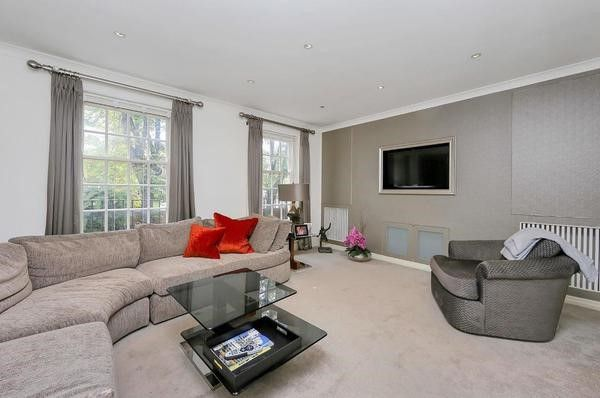 Thumbnail Town house to rent in Marston Close, South Hampstead