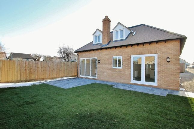 Thumbnail Detached bungalow for sale in Burford Road, Carterton