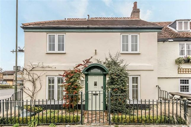 Thumbnail Property to rent in Angel Road, Thames Ditton