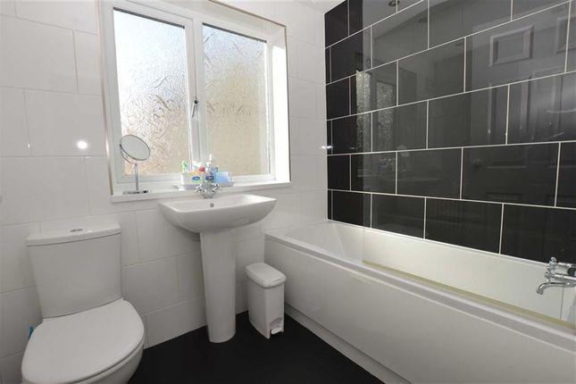 Bathroom of Sidmouth Street, Newland Avenue, Hull HU5