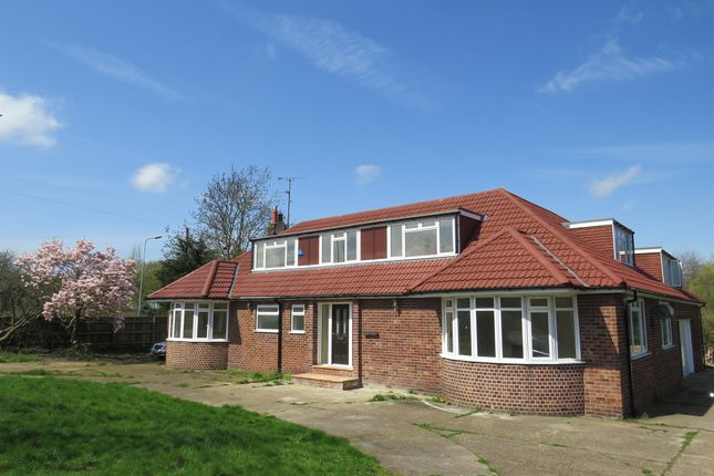 Thumbnail Detached bungalow for sale in Harlaxton Road, Grantham