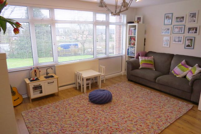 2 bed maisonette for sale in Park Farm Close, East Finchley