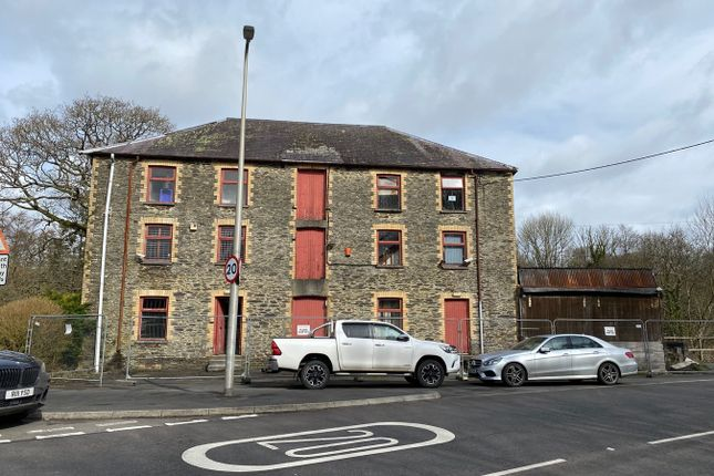 Thumbnail Commercial property for sale in Pontwelli, Llandysul