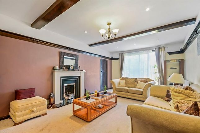 Thumbnail Detached house for sale in Clarence Road, Wallington