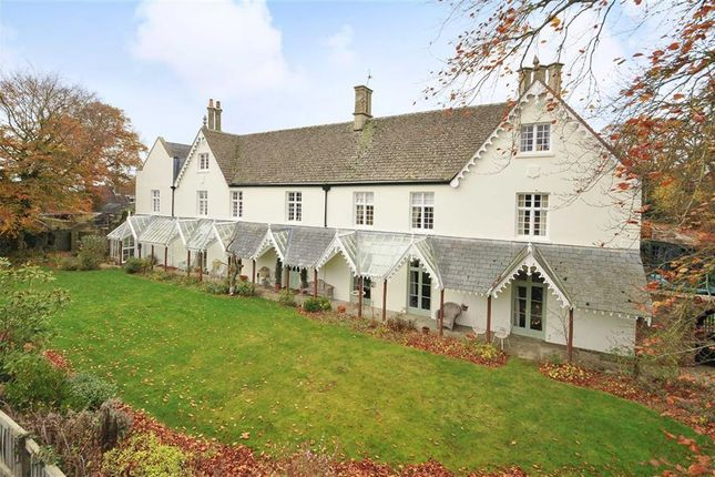 Thumbnail Country house for sale in Cricklade Road, Highworth, Wiltshire