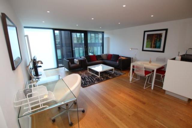Thumbnail Flat to rent in Flat 24, 34 Simpson Loan