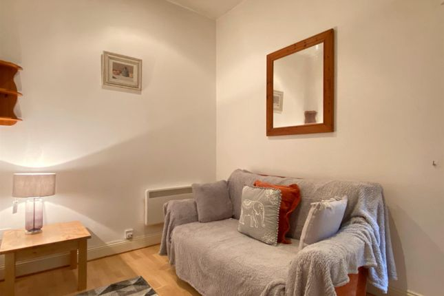 Thumbnail Flat to rent in Cambrian Place, Maritime Quarter, Swansea