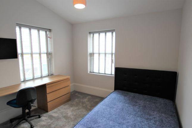 3 bed flat to rent in Osborne Road, Jesmond, Newcastle Upon Tyne NE2