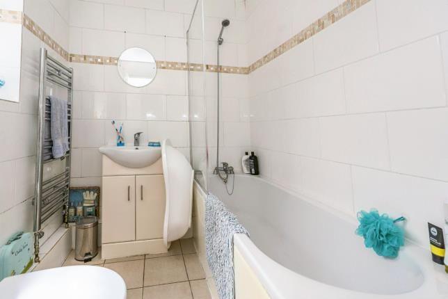 Bathroom of Parton Street, Kensington, Liverpool, Merseyside L6