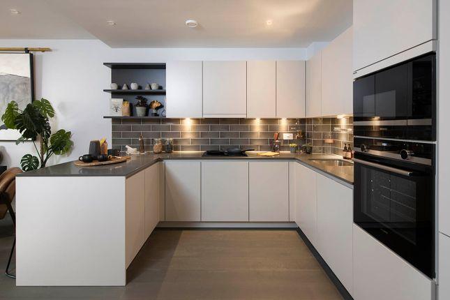2 bed flat for sale in Crimscott Street, London SE1