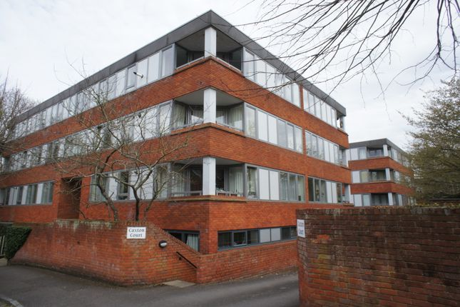 Flat to rent in Caxton Court St Marks Road, Henley On Thames
