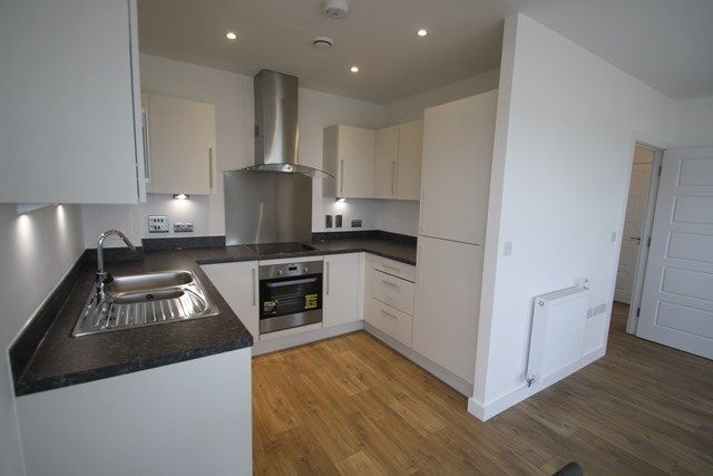 Thumbnail Property to rent in Magellan Boulevard, London