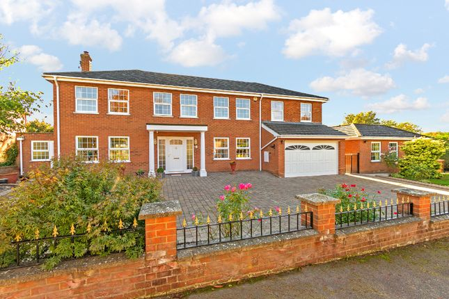 Thumbnail Detached house for sale in Royal Oak Close, Chipping, Buntingford