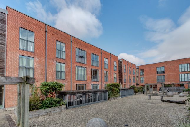 2 bed flat for sale in Ascote Lane, Dickens Heath, Solihull B90