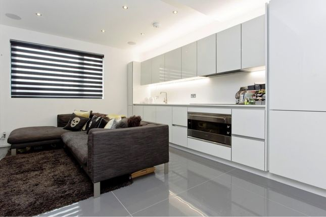 Thumbnail End terrace house to rent in Grimsby Street, London
