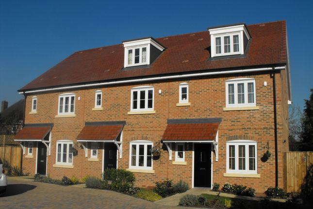 Thumbnail Terraced house to rent in Dunnell Close, Sunbury-On-Thames